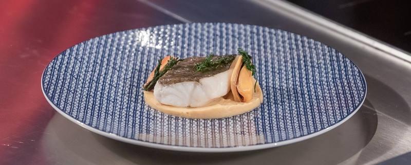 Receta de bacalao confitado a baja temperatura, humus de mejillones y mejillones marinados en zumo de lima