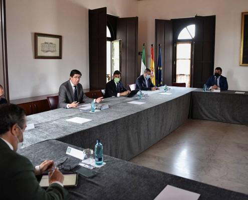 La Junta abre una línea de ayudas para municipios que aumenten estacionalmente de población