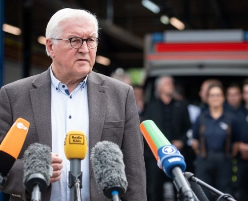 """Steinmeier: """"Su destino nos desgarra el corazón"""""""