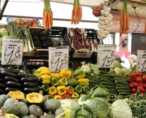 La campaña andaluza de inspección general de la calidad de alimentos revisa más de 1.200 productos