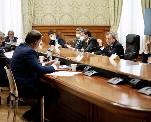 El presidente Draghi se reúne con los sindicatos CGIL, CISL y UIL